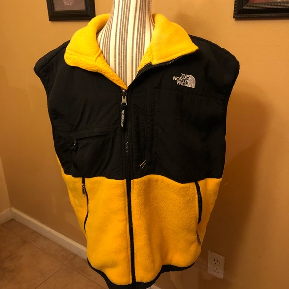 26c7b387e The North Face men's fleece vest yellow black L
